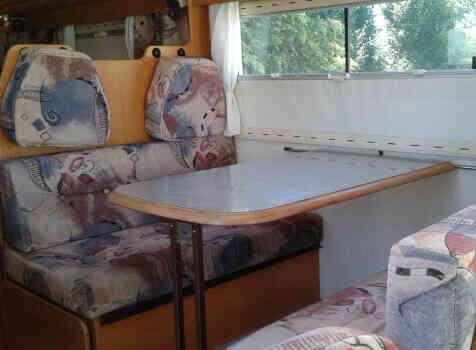 camping-car PILOTE FIRST  intérieur